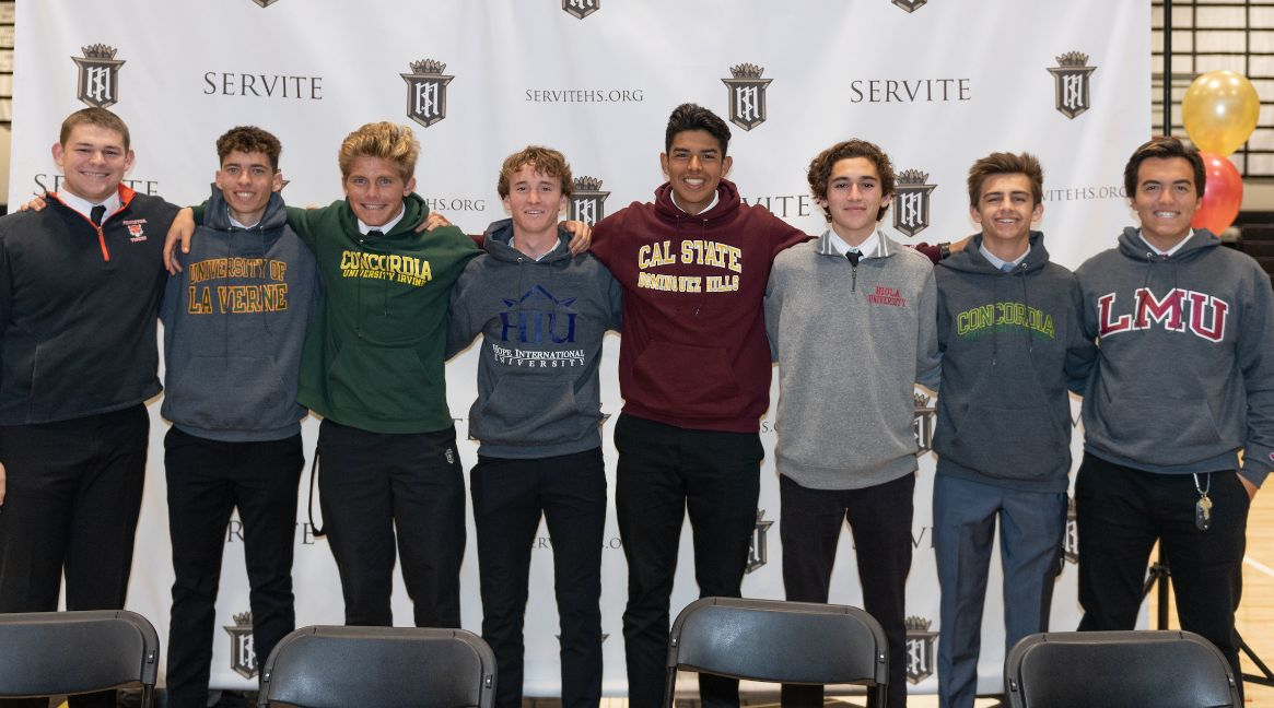 Eight Student-Athletes Recognized on Winter Signing Day